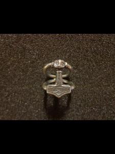 http://forvikingsonly.nu/284-493-thickbox/ring-mjolnir.jpg