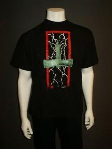 http://forvikingsonly.nu/39-156-thickbox/t-shirt-hammer-lightning.jpg