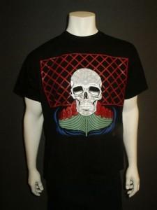 http://forvikingsonly.nu/66-246-thickbox/t-shirt-skepp-och-skalle.jpg