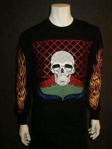 http://forvikingsonly.nu/67-249-thickbox/t-shirt-skepp-och-skalle.jpg